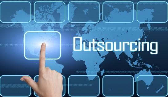 Outstaffing & outsourcing u preduzećima, benefiti i slabosti