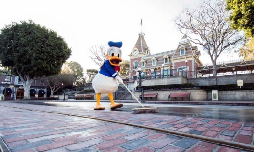 Donald-new-bricks-Main-Street-U.S.A.-990x556