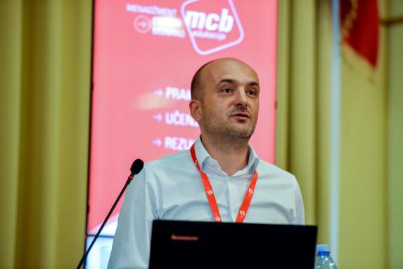 Živorad Radovanović, KOMERCIJALNA BANKA